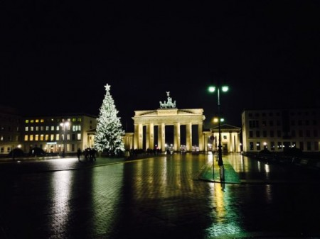 Frohe Weihnachten aus Berlin.